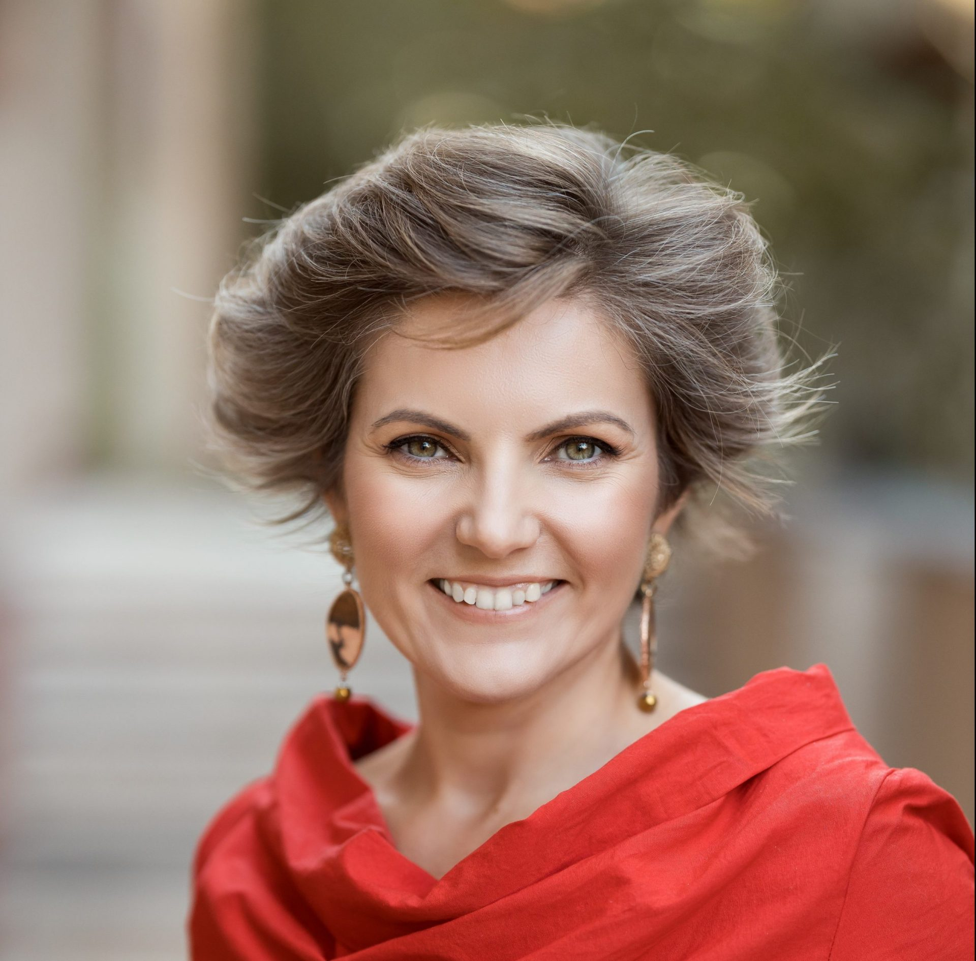 Why study an EMBA as an intrapreneur – Interview with Raluca Ene